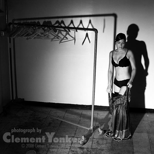 http://www.clementyonkers.com/modelsites/2007-08-22_1295-lo1.jpg